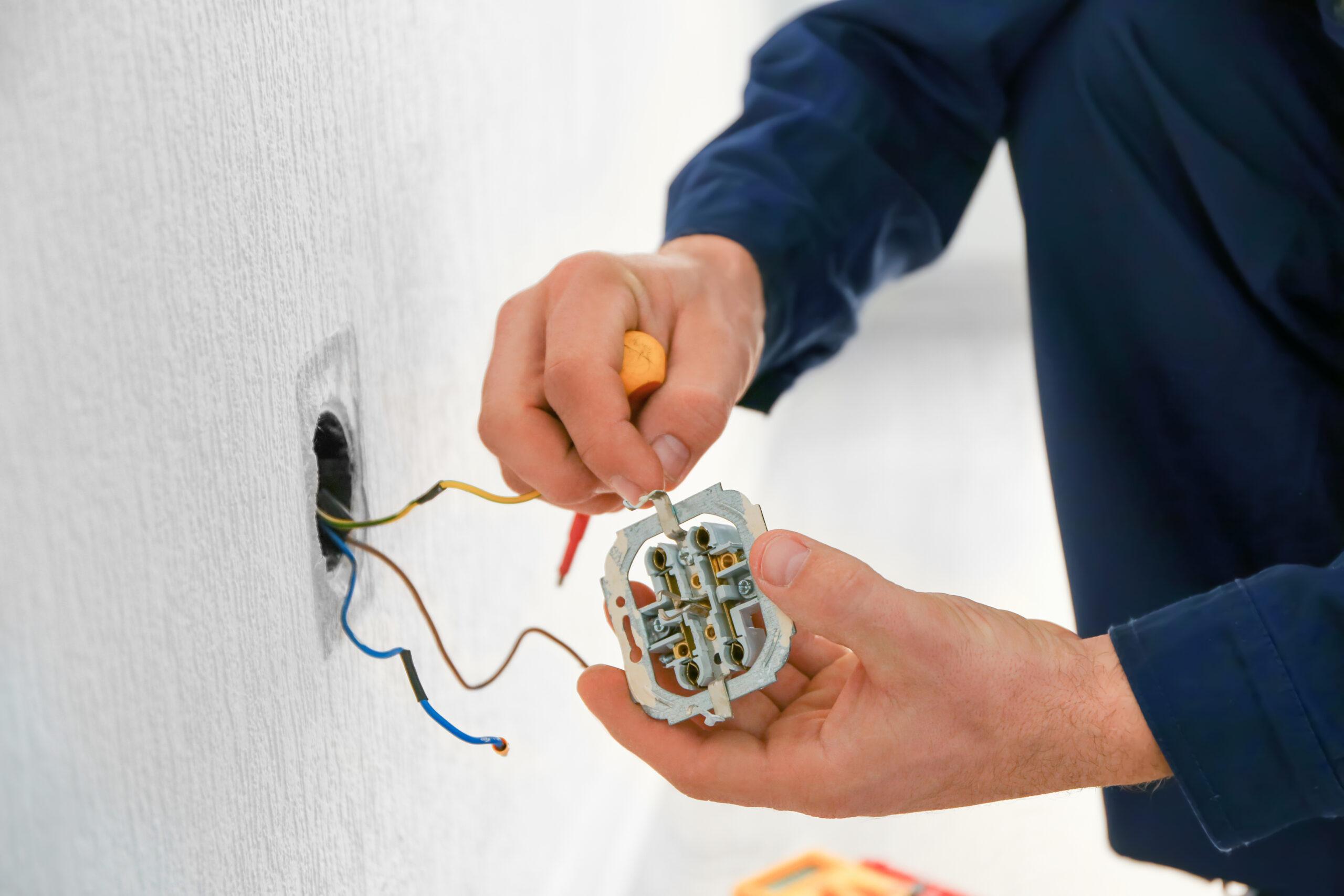 Panne d'électricité : qui consulter pour un dépannage rapide?